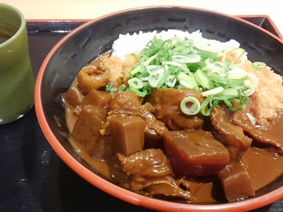 夕食の名古屋めし「どてカツ丼」