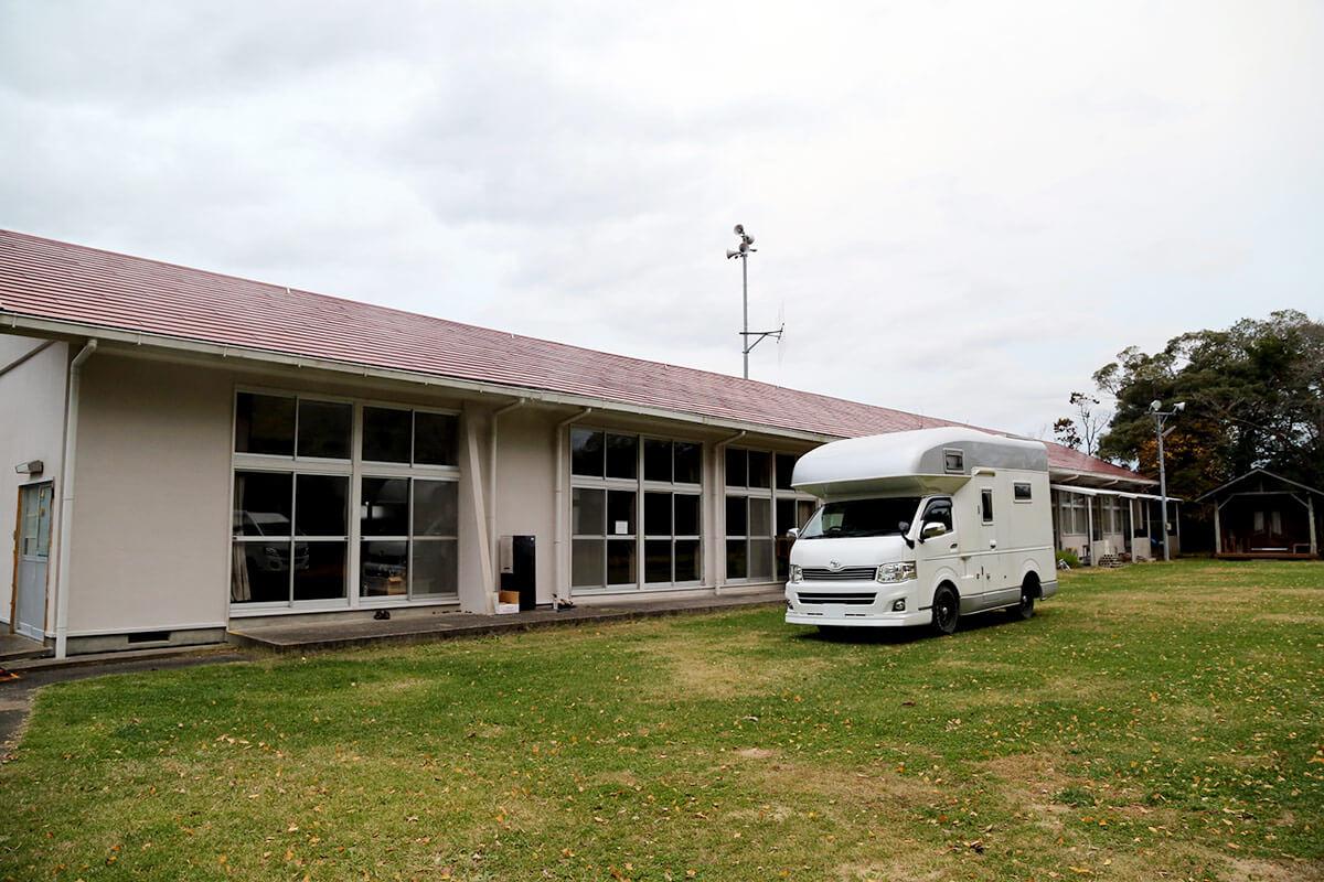 キャンピングカーの遊び方を提案するニートRV直営「宇筒原オートキャンプ場」